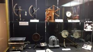 蚕糸に関わるさまざまな機器