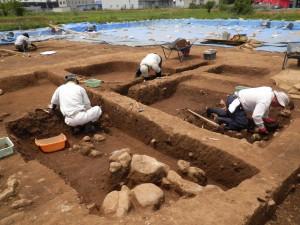 高畑遺跡発掘調査の様子