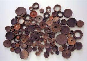 様々な土製耳飾り(エリ穴遺跡出土)