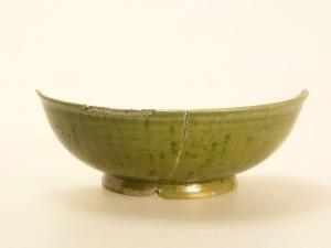 緑釉陶器(三間沢川左岸遺跡)