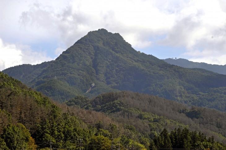 山城跡が残る虚空蔵山