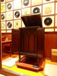 コンソール型蓄音機