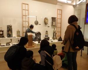 見学会の様子(西洋時計の部屋)