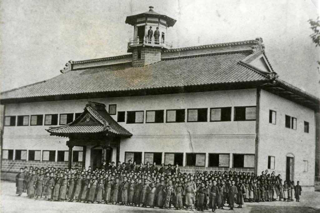 明治18年竣工直後の旧山辺学校校舎