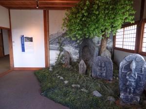 第8室の石像