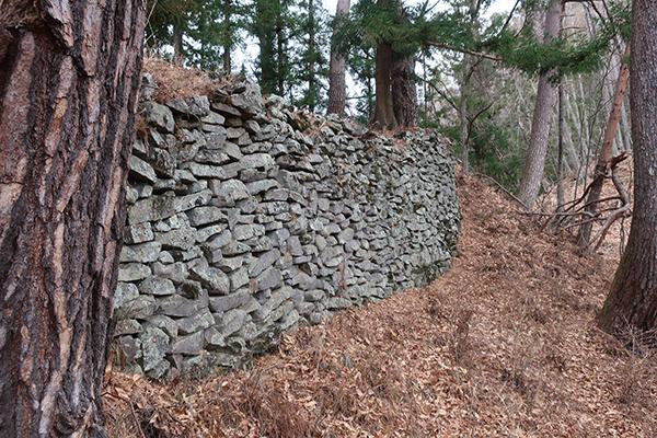 東側の石積み